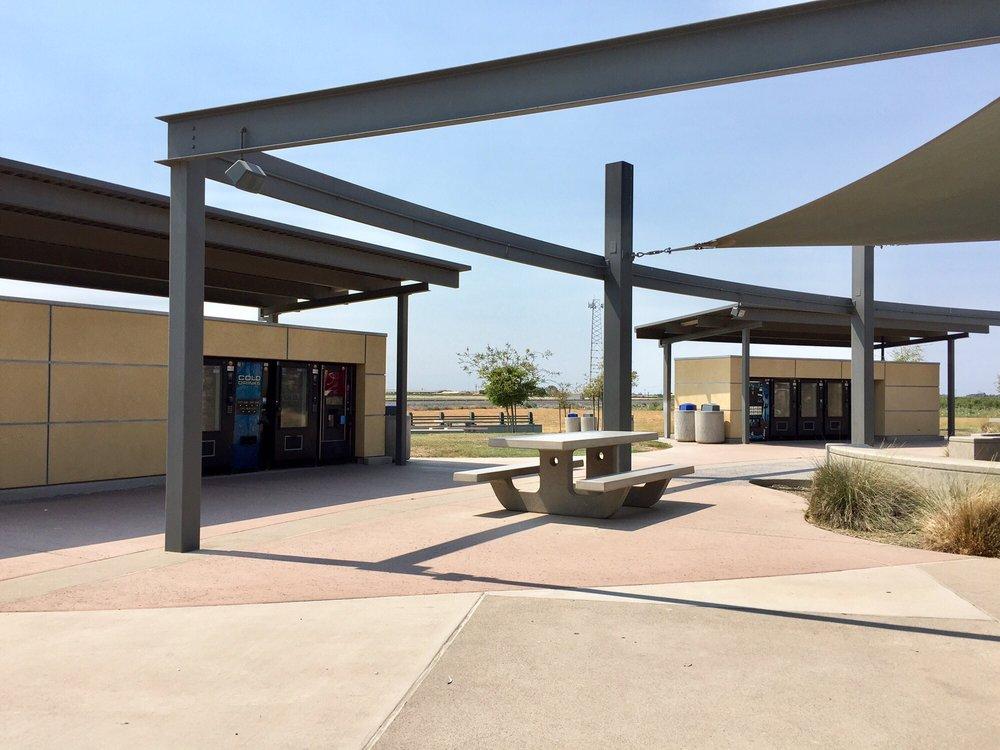 Phillip S. Raine Rest Stop: Hwy 99, Tipton, CA