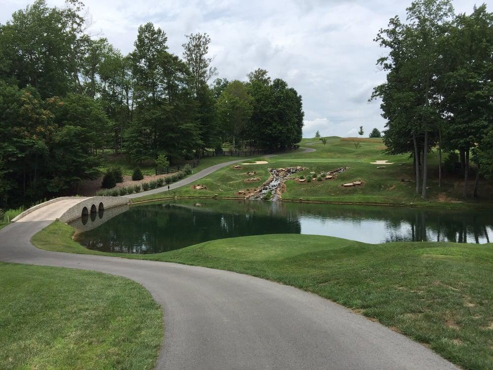 Links At Lily Creek Resort: 500 Lily Creek Resort Rd, Jamestown, KY