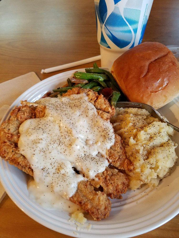 EJs Cotton Pickin Dive: 410 Lamesa Hwy, Stanton, TX