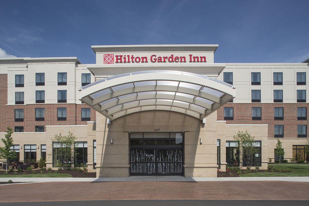 Hilton Garden Inn Akron: 1307 E Market St, Akron, OH