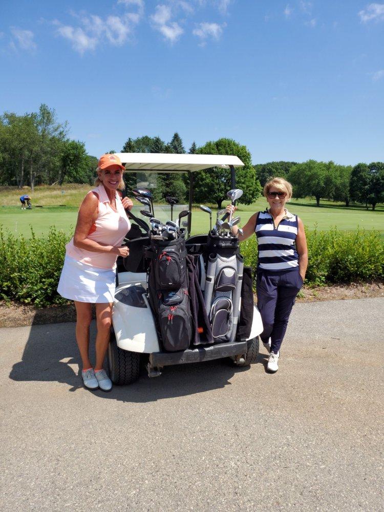 Naga-Waukee Golf Course: W307 N1897 Maple Ave, Pewaukee, WI