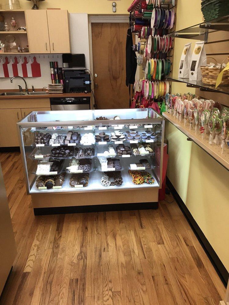 Gabrielle Chocolates: 72 Albany St, Cazenovia, NY