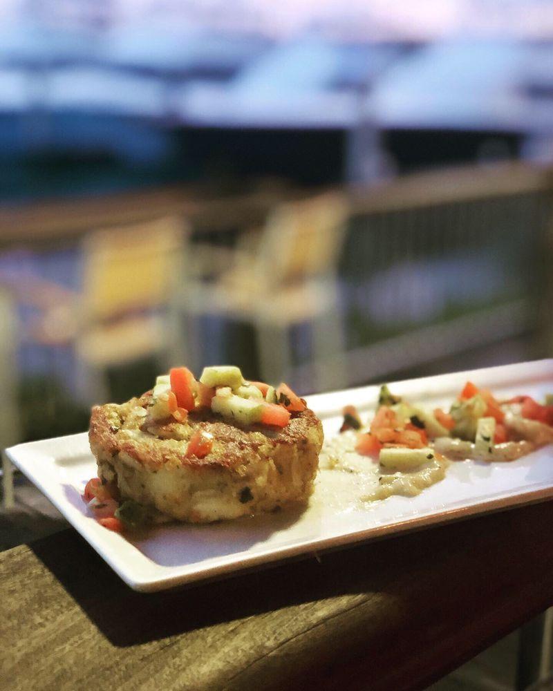 Outriggers Tiki Bar & Grille: 200 Boatyard St, New Smyrna Beach, FL