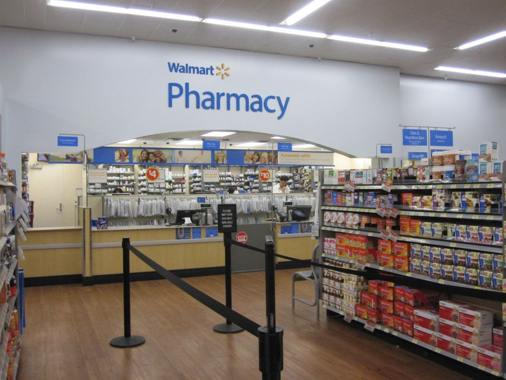 Walmart Pharmacy-Chandler: 3100 E 1st St, Chandler, OK