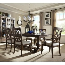 Charmant Photo Of Rifeu0027s Home Furniture   Eugene, OR, United States. Trisha Yearwood  Dining