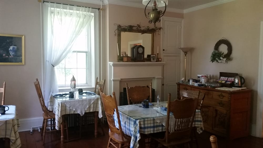 Lightner Farmhouse Bed & Breakfast: 2350 Baltimore Pike, Gettysburg, PA
