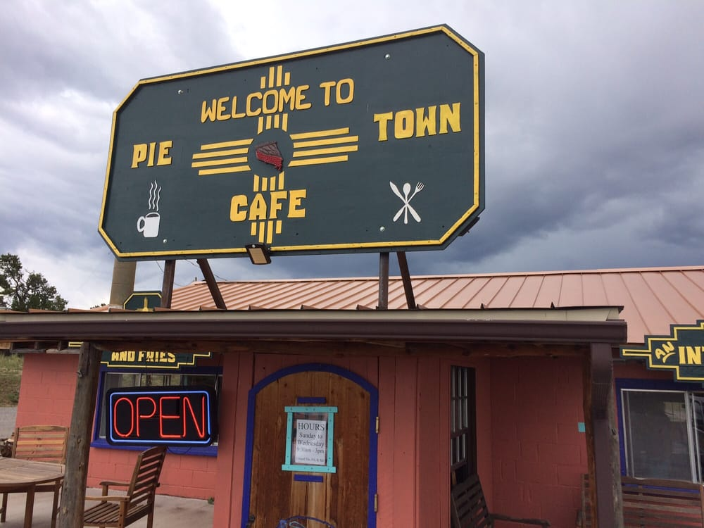 Daily Pie Cafe: Hwy 60, Pie Town, NM