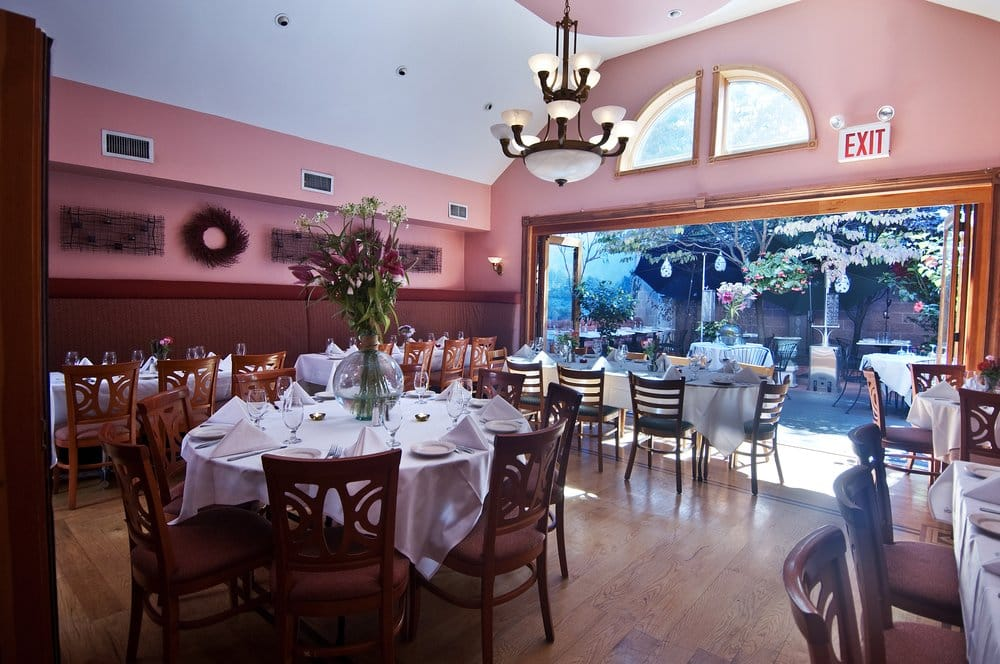 Crabtree's Restaurant: 226 Jericho Tpke, Floral Park, NY