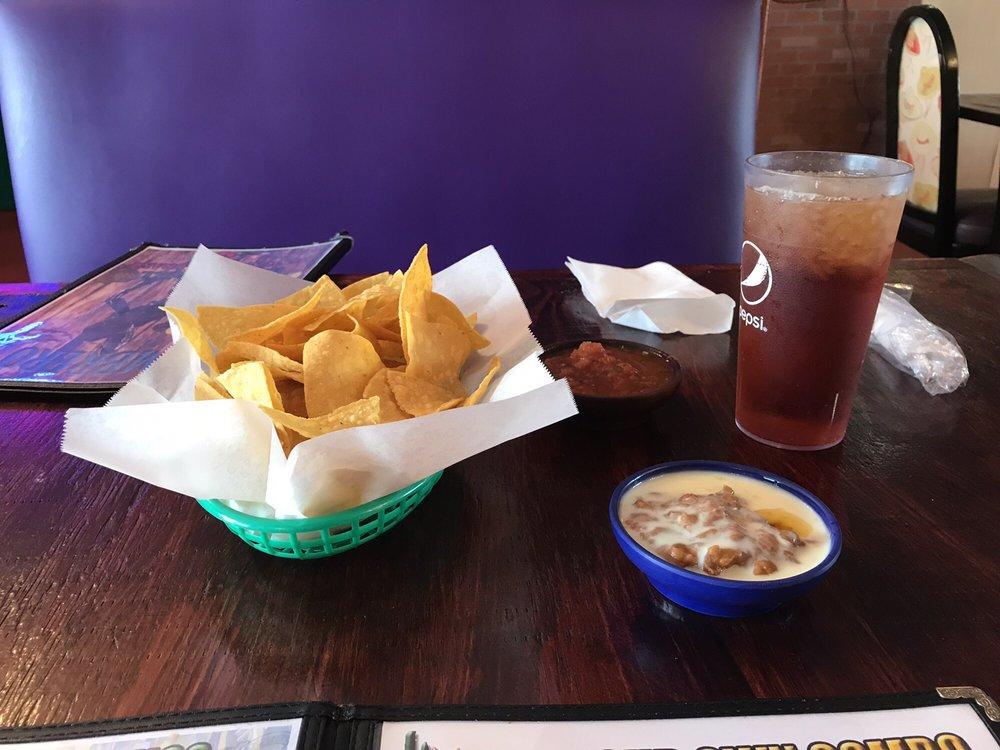 Sombreros Mexican Restaurant: 8273 Marlboro Ave, Barnwell, SC
