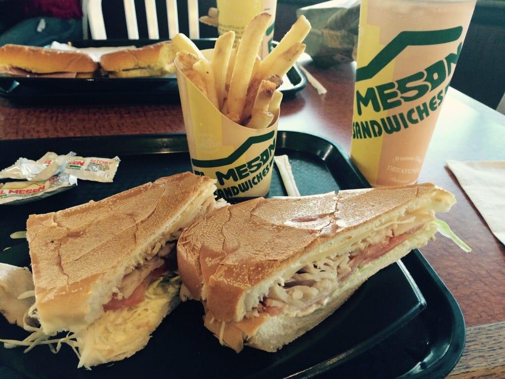 El Meson Sandwiches: Centro Commercial Montehiedra, Río Piedras, PR