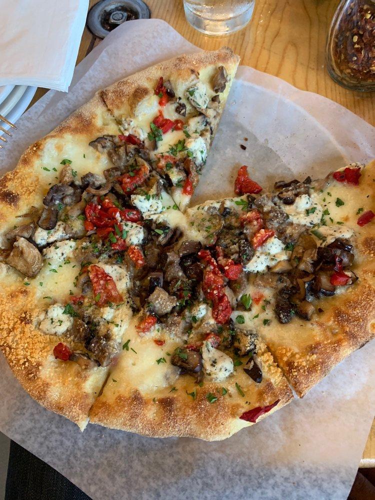 Railroad Pub and Pizza: 122 Spruce St, Burlington, WA