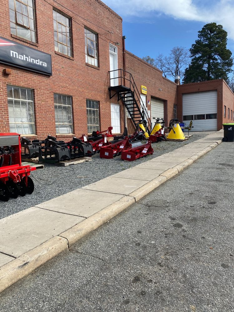 Clapp Tractor: 202 N 2nd Ave, Siler City, NC