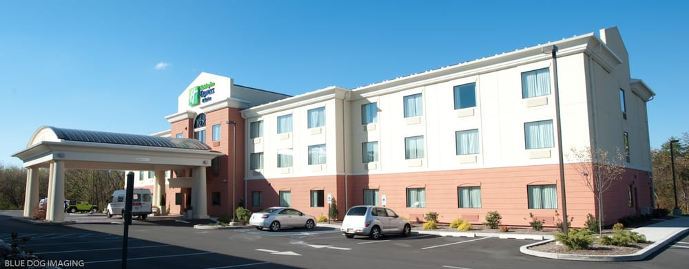 Holiday Inn Express & Suites Selinsgrove - University Area: 651 N Susquehanna Trl, Selinsgrove, PA
