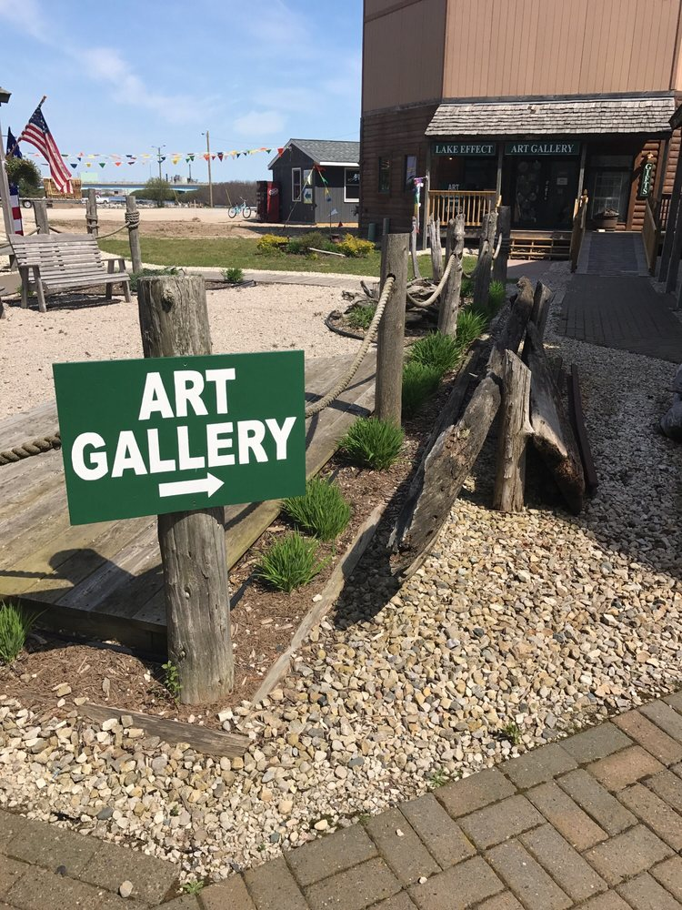 Lake Effect Art Gallery: 375 Traders Point Dr, Manistique, MI