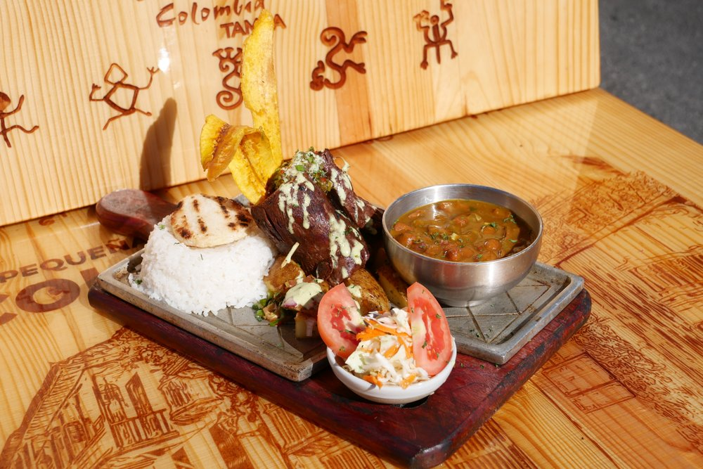 La Pequeña Colombia Restaurant: 6312 N Armenia Ave, Tampa, FL