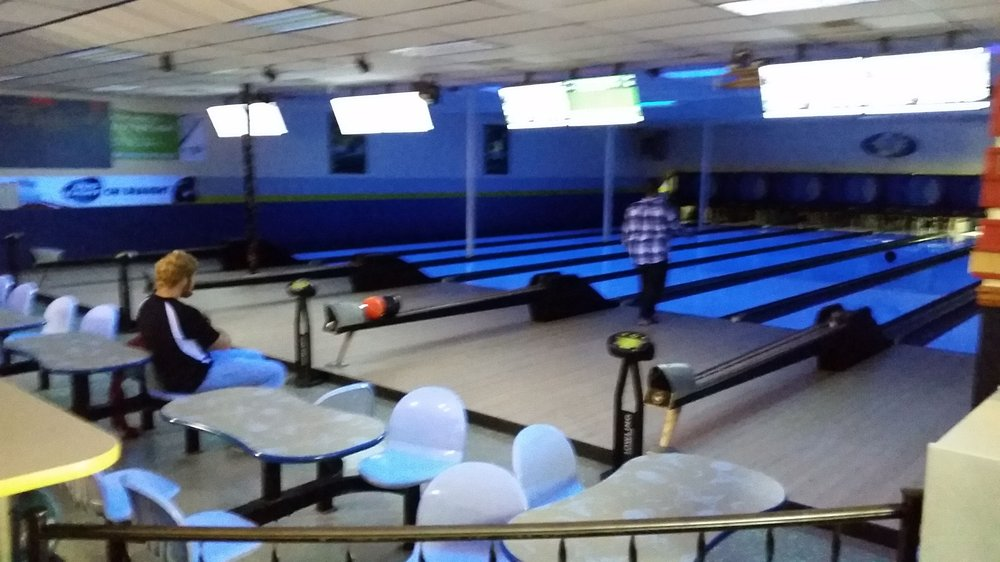 Baldwin Bowling Center: 708 Michigan Ave, Baldwin, MI