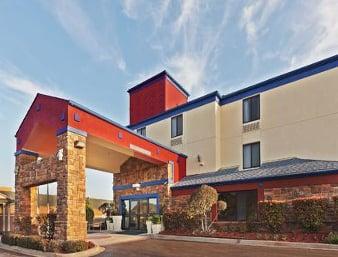 Days Inn by Wyndham Tulsa Central