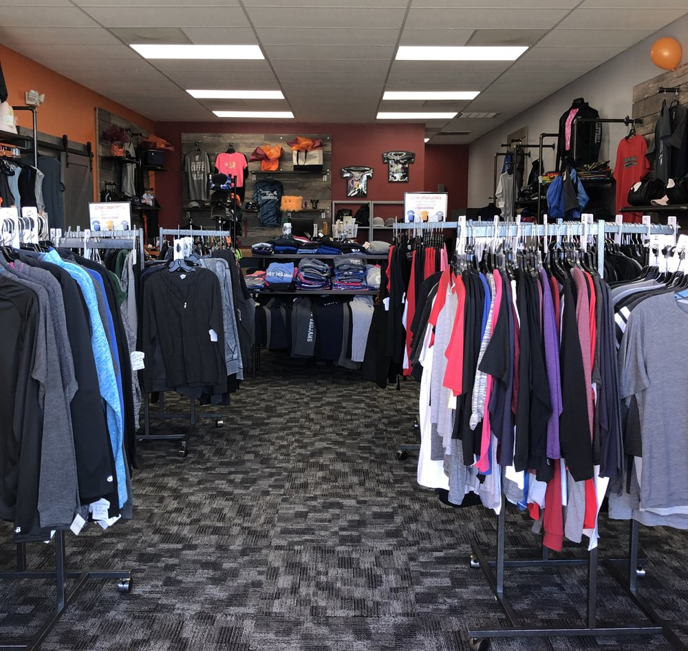 Coey's Closet: 2405 Essington Rd, Joliet, IL