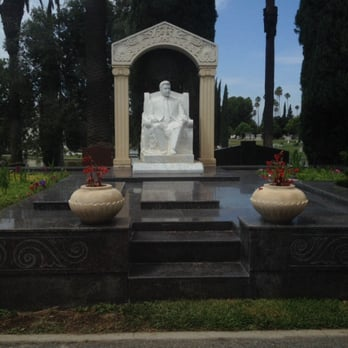 Hollywood Forever Cemetery Walking Tour - Photos - Yelp