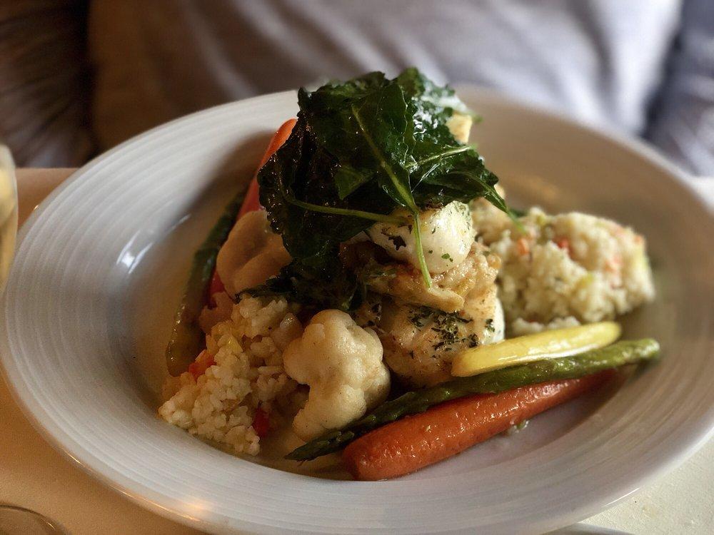 Castle Inn Restaurant: 17 Main St, Cavendish, VT