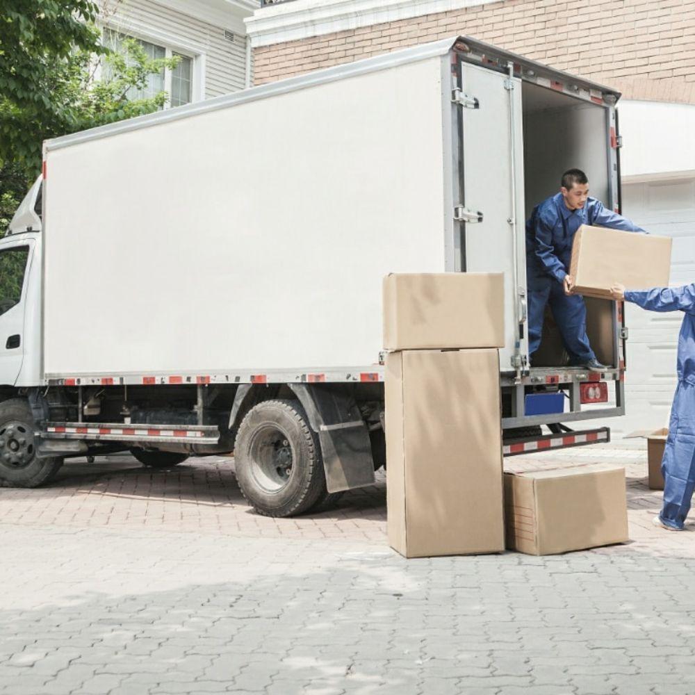 M&L Moving & Delivery: Beloit, WI