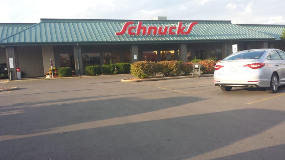 Schnucks - Bethalto: 72 Airport Plz, Bethalto, IL