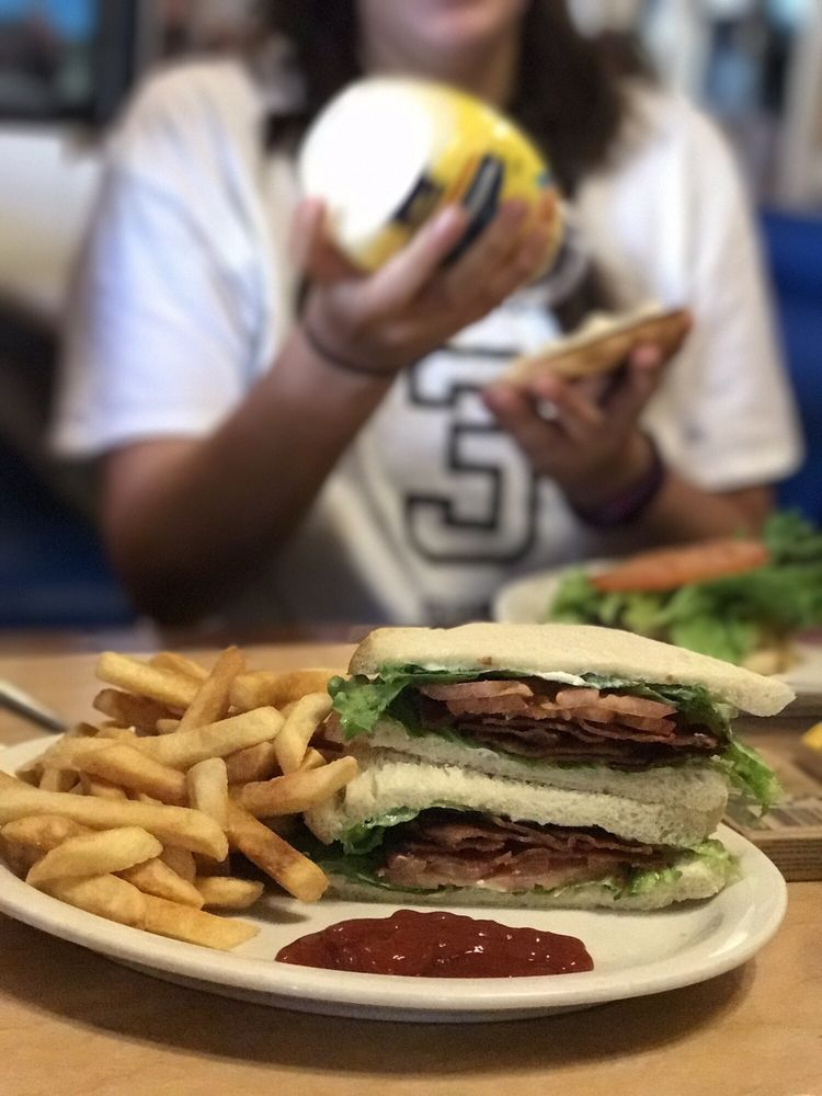 Mt Whitney Restaurant: 227 S Main St, Lone Pine, CA