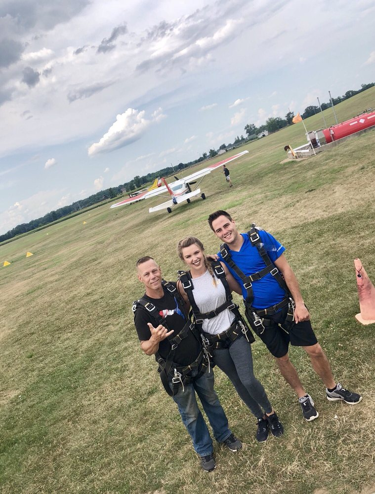 Capital City Skydiving: 7080 W Sherwood Rd, Fowlerville, MI