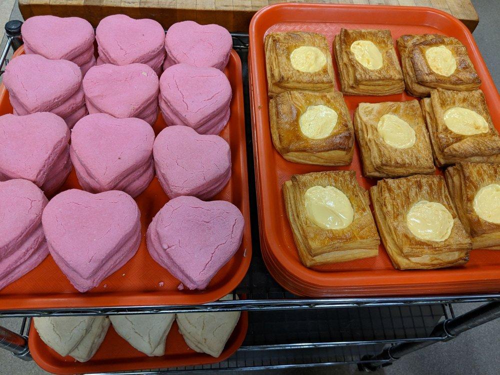 La Fuente Mexican Bakery: 3990 N Sierra Way, San Bernardino, CA