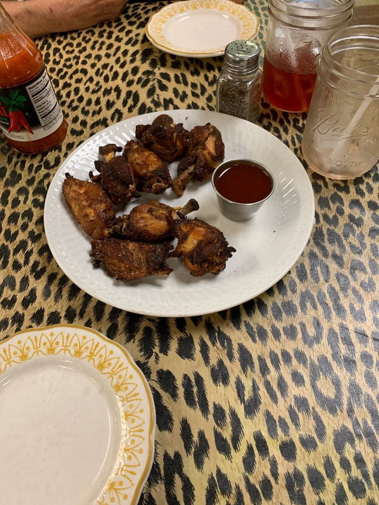 Big Mama's Kitchen and Catering: 2112 N 30th St, Omaha, NE