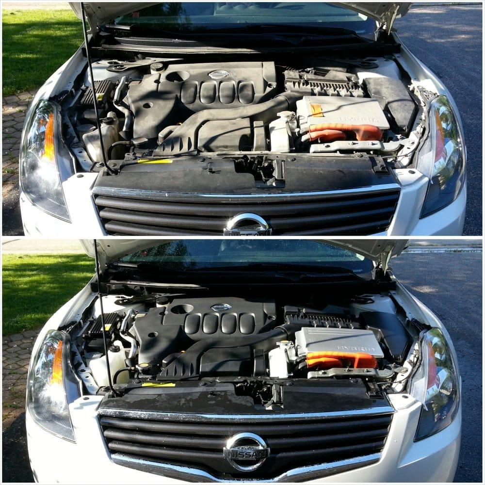 Nissan Altima: Engine compartment check locations