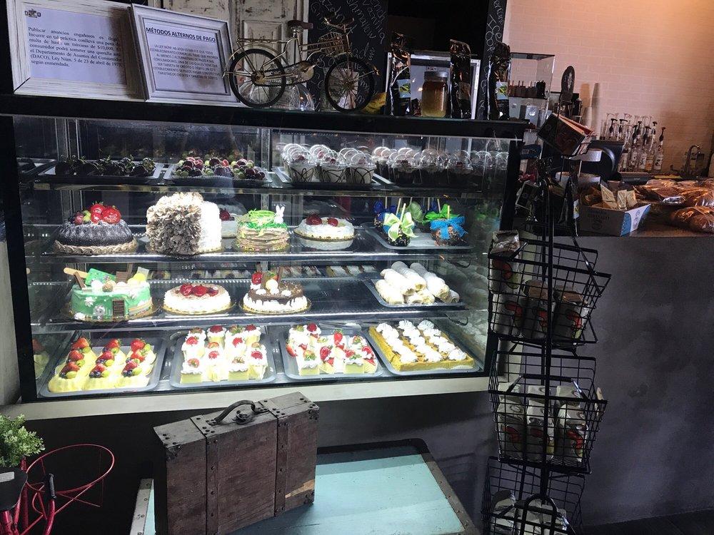 Kmilas Bakery: Carretera 152 Km 3.0, Barranquitas, PR