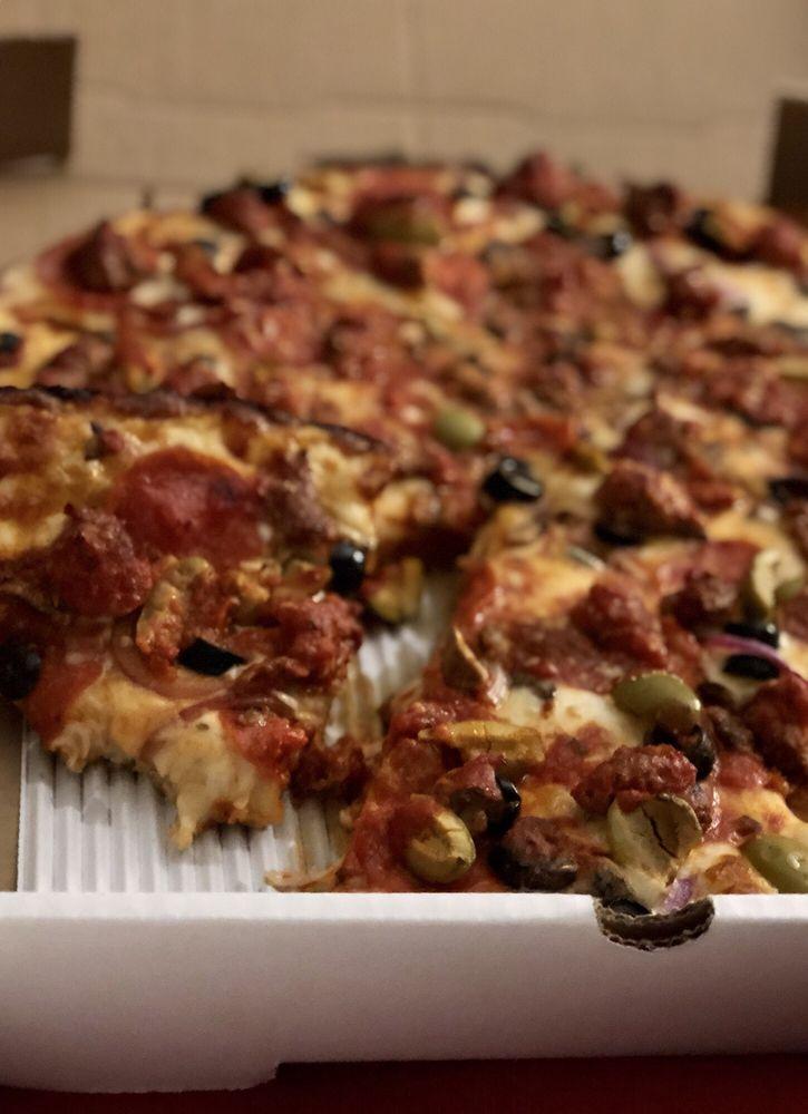 7 Stone Pizzeria: 9350 University Ave, West Des Moines, IA