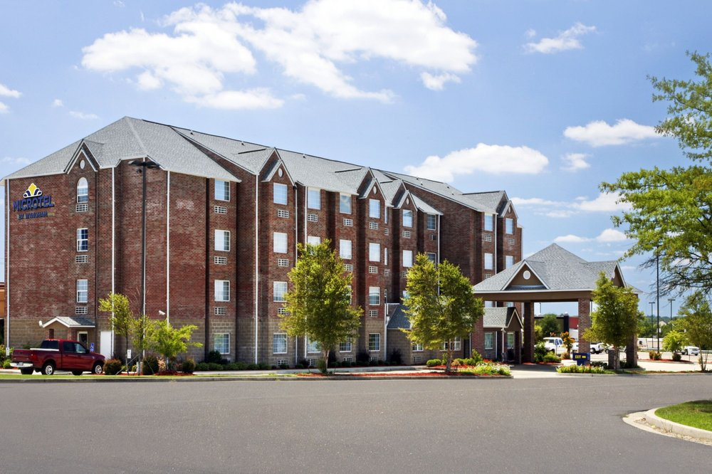 Microtel Inn & Suites by Wyndham Hattiesburg: 105 Westover Drive, Hattiesburg, MS