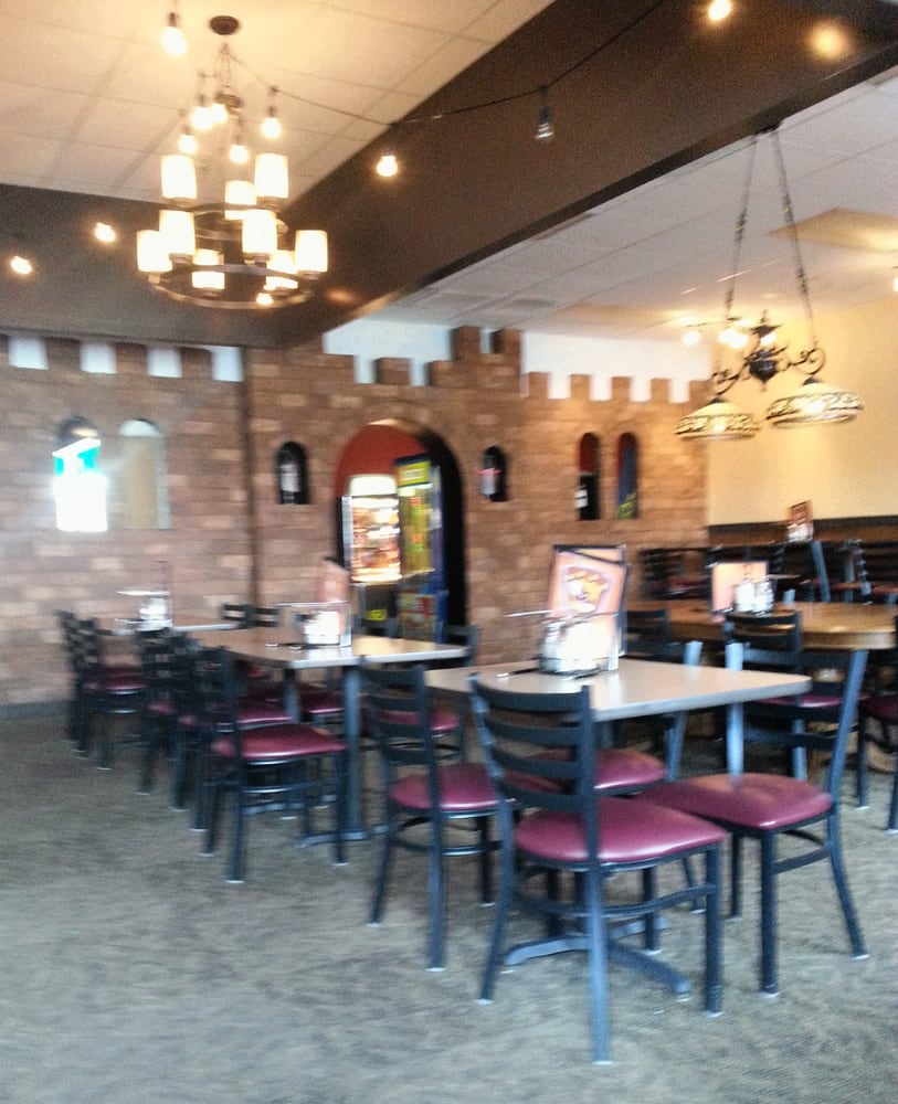 Photo Of Sir Pizza Italian Eatery Murfreesboro Tn United States Dining Area
