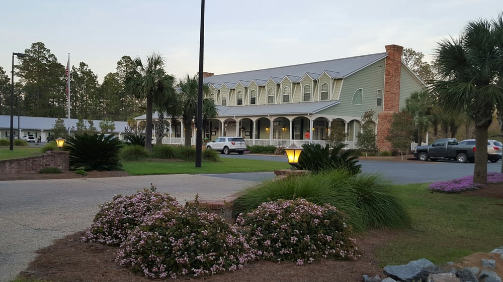 Blueberry Plantation Country Club & Inn: 315 Ironwood Cir, Alma, GA