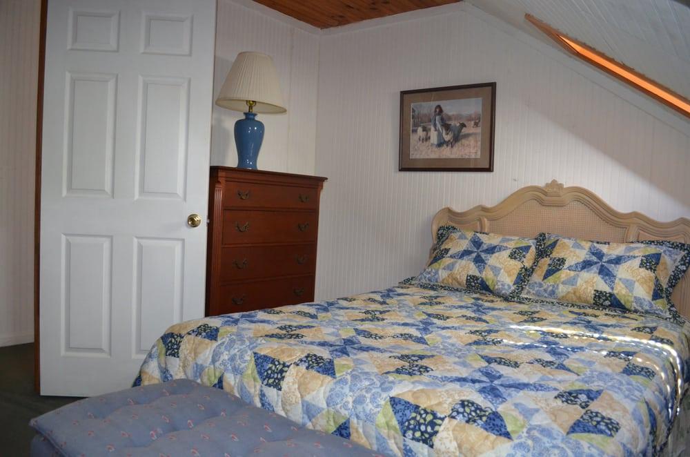 Banner Haven Bed & Breakfast & Cabin Rentals: 509 Beech Mountain Pkwy, Banner Elk, NC