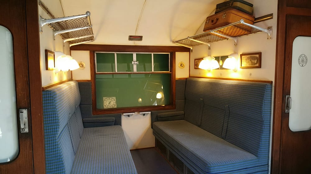 The Hogwarts Express Cabin From The Movie Yelp