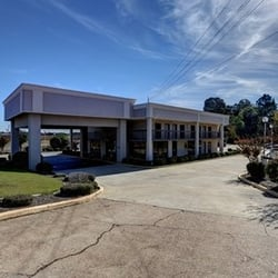 Photo Of Quality Inn Batesville Ms United States