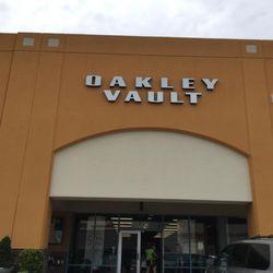oakley tanger outlet branson mo
