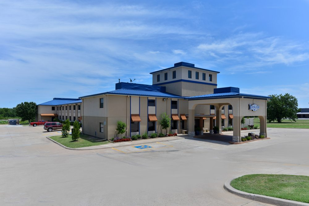 Boarders Inn & Suites: 136 Holiday Dr, Ardmore, OK