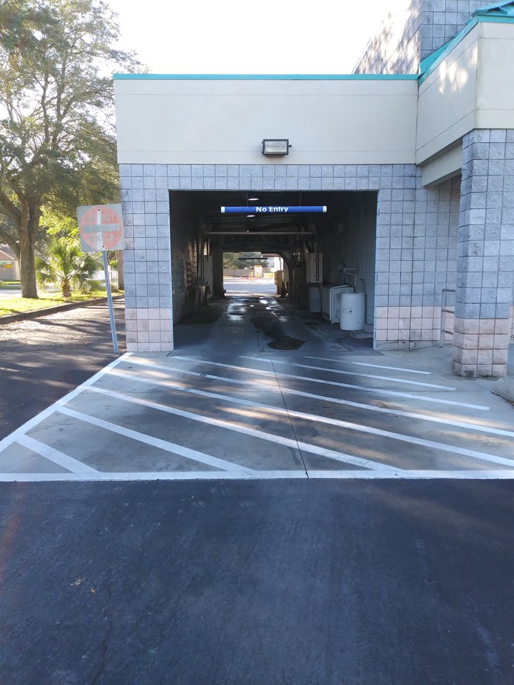 Capri Car Wash: 8710 Bryan Dairy Rd, Seminole, FL