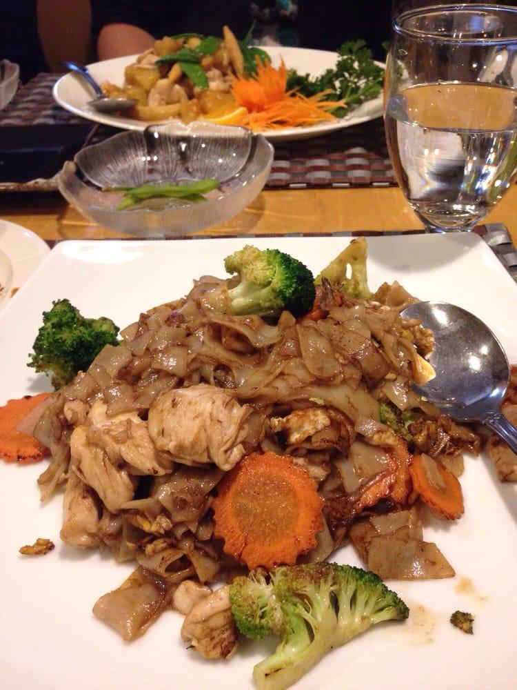 Siam square thai restaurant 22 photos 45 reviews for 22 thai cuisine yelp