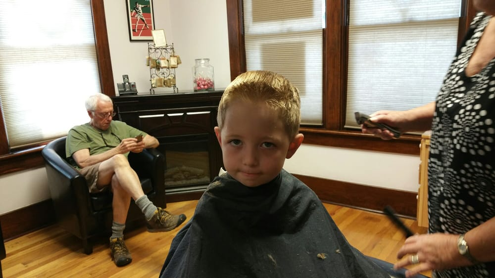 Floyd's Of Mayberry Barber Shop: 1316 Grand Ave, Glenwood Springs, CO