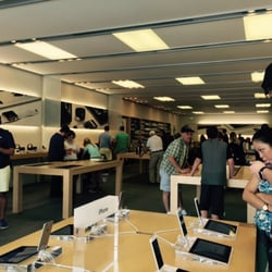 Perfect Photo Of Apple Store   Omaha, NE, United States. The Store Quite Crow