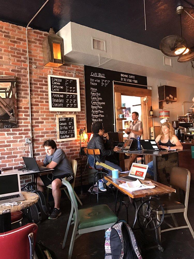 Black Crow Coffee: 722 2nd St N, Saint Petersburg, FL