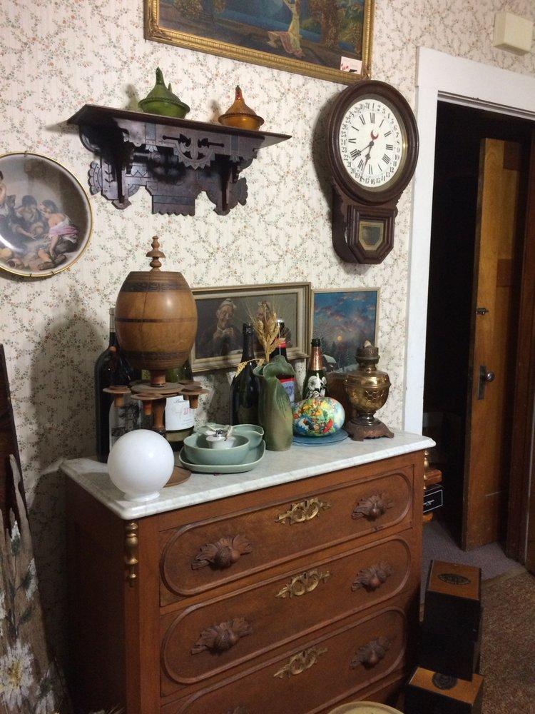 Olden Daze Antiques: 506 S Main St, Brigham City, UT