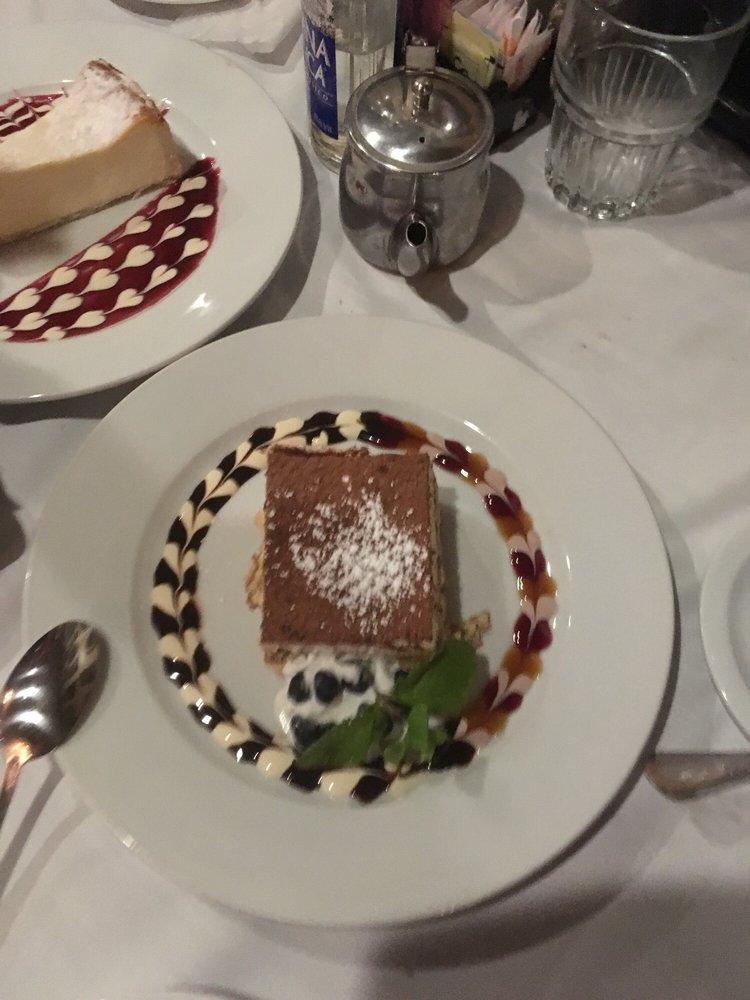 Deluca S Italian Restaurant