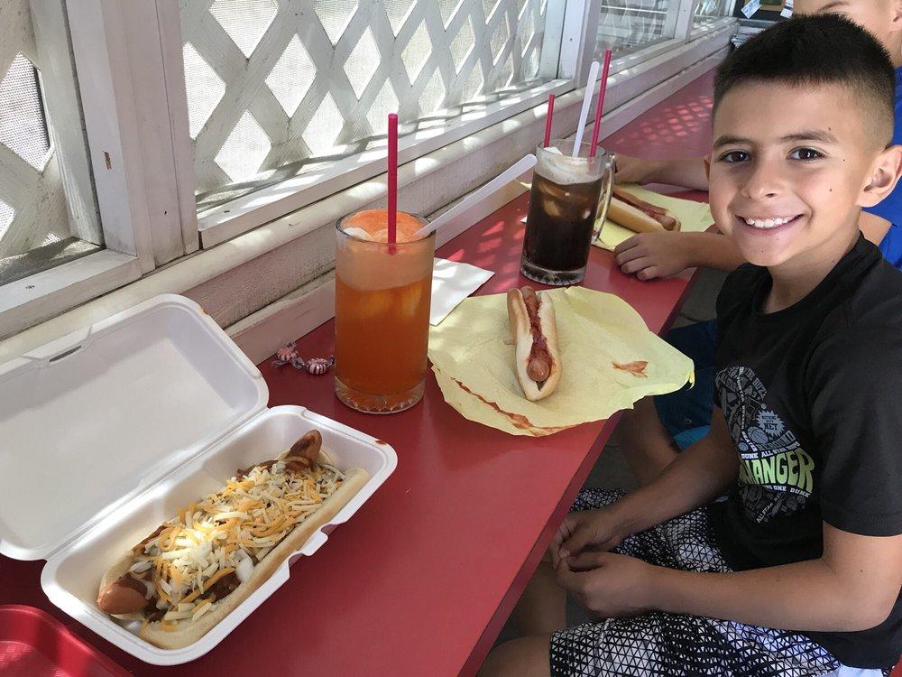Hob Nob Hot Dogs