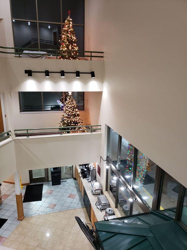 Cedars Inn: 80 Ninth St NE, East Wenatchee, WA
